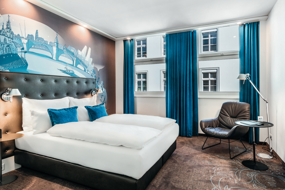 Ouverture d un premier h tel motel one en suisse quip for Motel one zimmer grundriss
