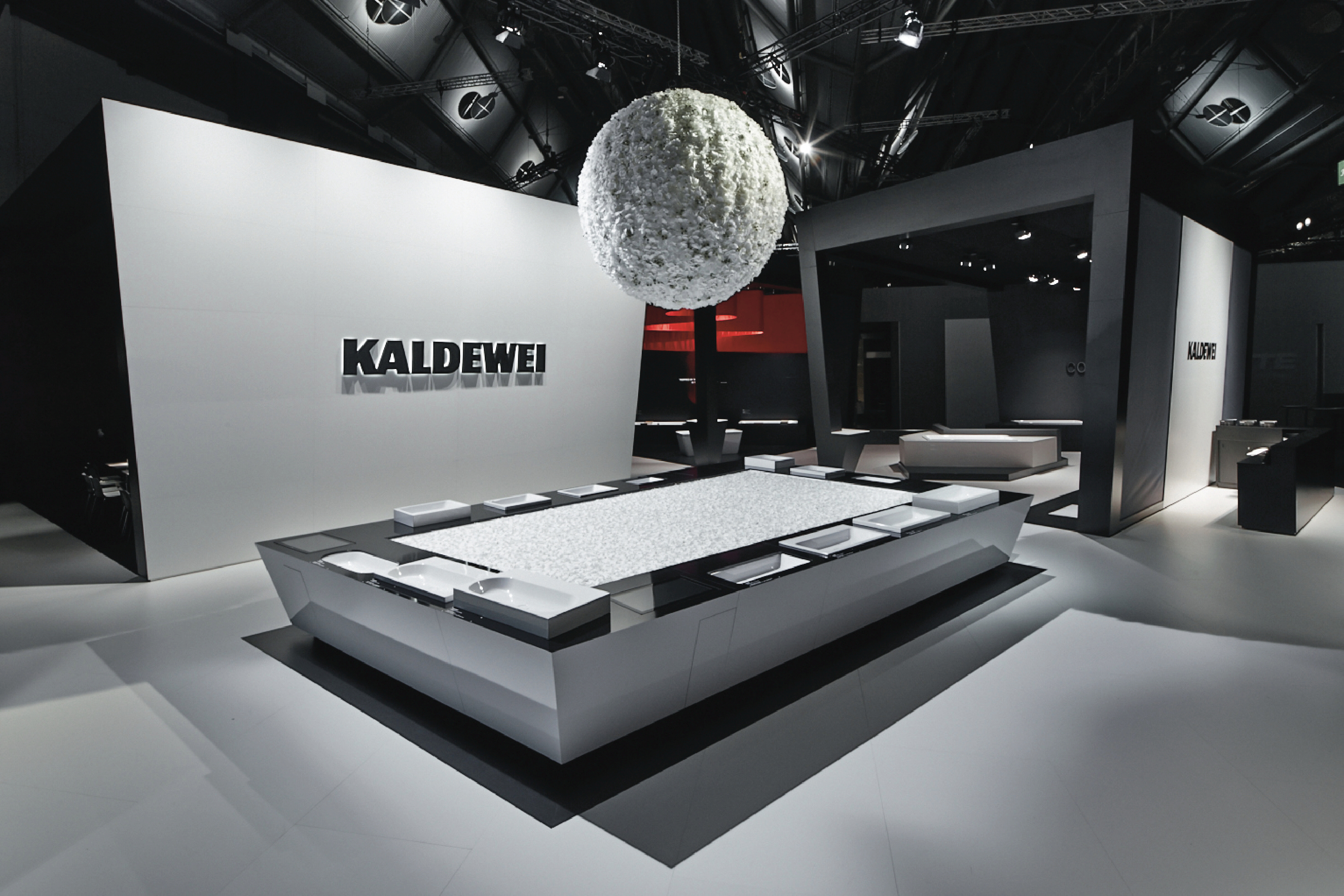 kaldewei auf der salone del mobile. Black Bedroom Furniture Sets. Home Design Ideas