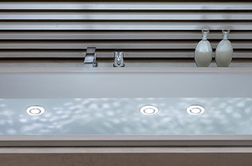 LIGHTING FOR BATHTUBS